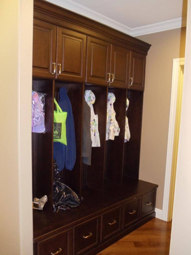 14-bathroom-cabinets